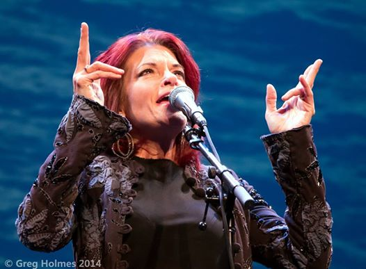 Rosanne Cash photo by Greg Holmes